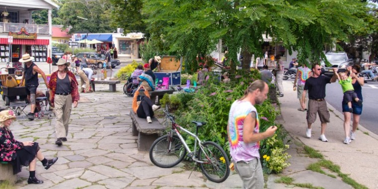 Everyday Life in Woodstock New York (2013)