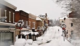 Big Snow Quiets Downtown